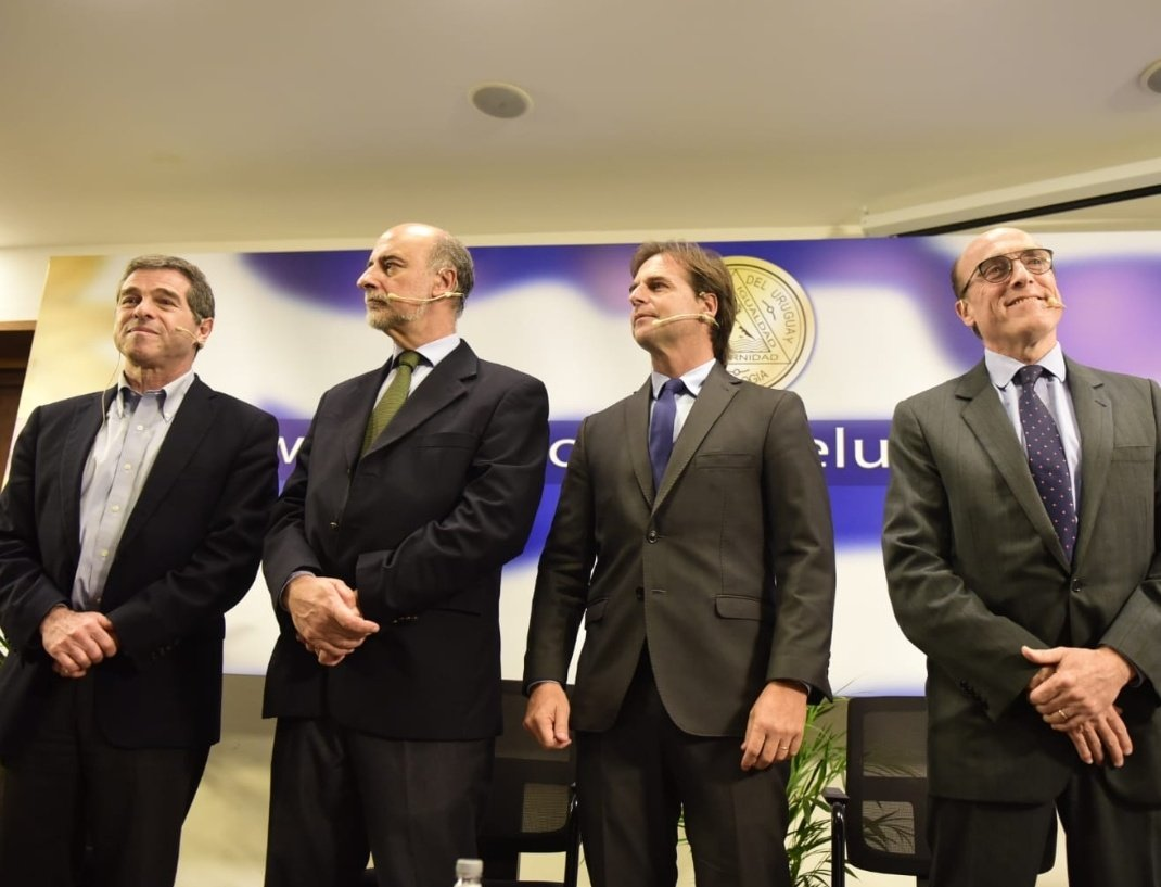 Candidatos a la presidencia de Uruguay visitan sede de la Gran Logia.